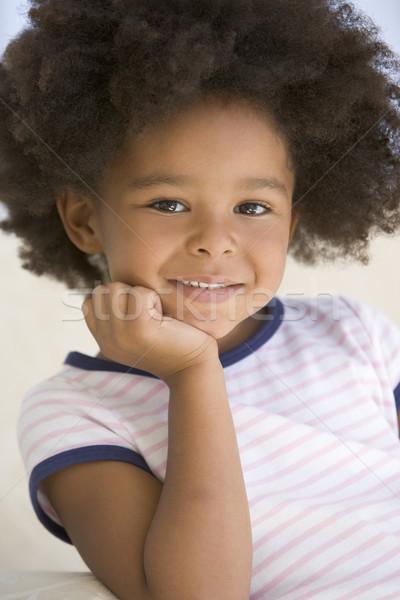 ストックフォト: 若い女の子 · 座って · ソファ · 少女 · 子供 · 子