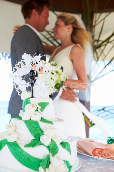 Tengerpart esküvői ceremónia torta előtér esküvő férfi Stock fotó © monkey_business