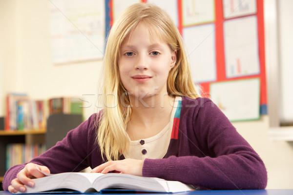 Iskolás lány tanul osztályterem lány boldog diák Stock fotó © monkey_business