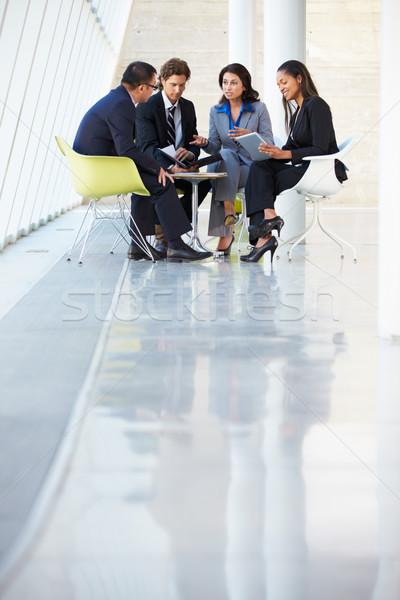 Foto stock: Reunião · moderno · escritório · negócio · homem