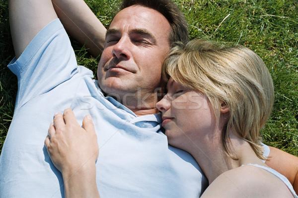 Foto stock: Casal · ao · ar · livre · adormecido · grama · verão · campo