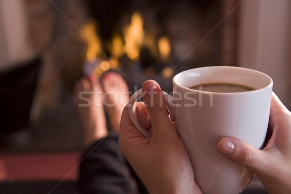 Voeten haard handen koffie vrouw Stockfoto © monkey_business