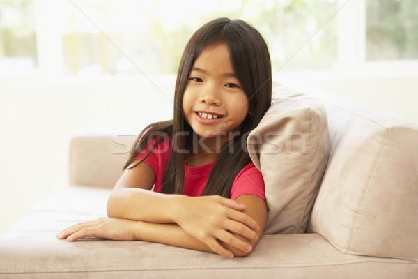 Zdjęcia stock: Młoda · dziewczyna · relaks · sofa · domu · dziewczyna · portret