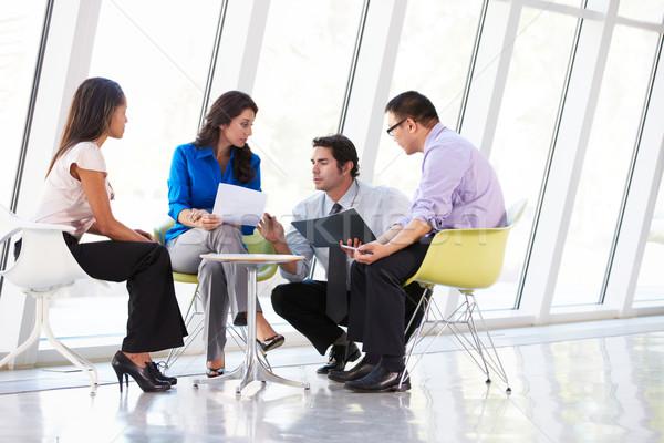 Gens d'affaires réunion modernes bureau affaires homme Photo stock © monkey_business