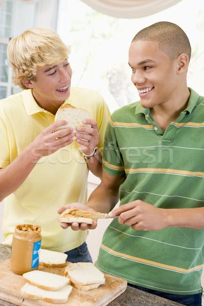 Ragazzi adolescenti panini felice home cucina Foto d'archivio © monkey_business