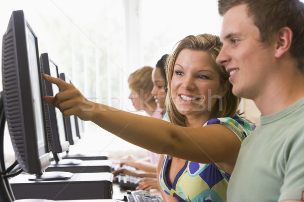 College studenten computerlokaal student technologie onderwijs Stockfoto © monkey_business