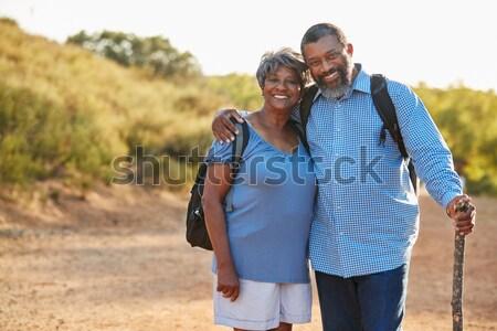 Romantikus fiatal pér áll tengerparti kunyhó távolság férfi Stock fotó © monkey_business