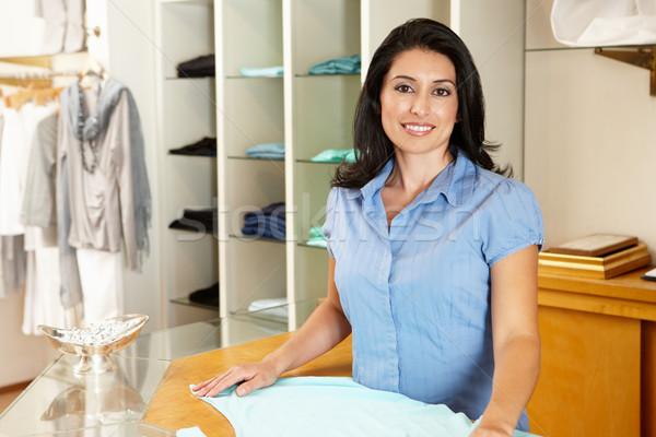 Spanyol nő dolgozik divat bolt üzlet Stock fotó © monkey_business