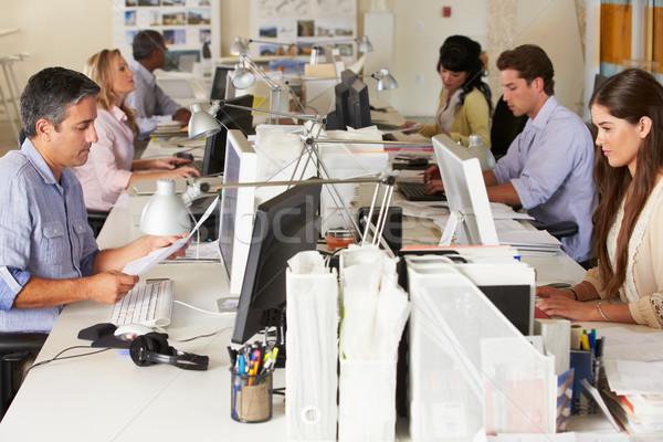 équipe travail occupés bureau affaires ordinateur Photo stock © monkey_business