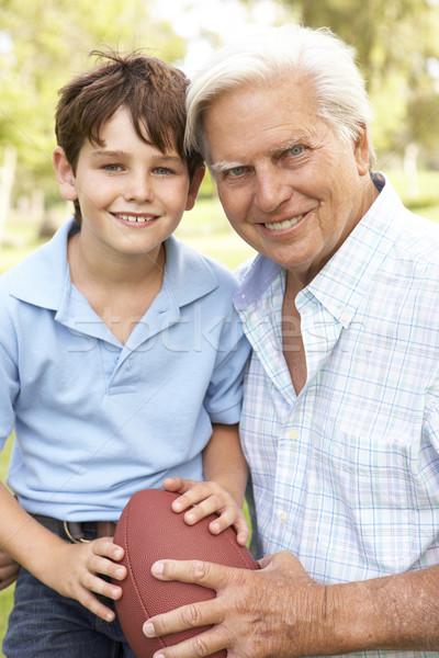Stockfoto: Grootvader · kleinzoon · spelen · amerikaanse · voetbal · samen