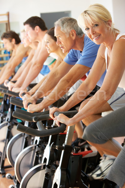 ストックフォト: シニア · 女性 · サイクリング · クラス · ジム · 男性