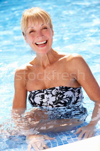 Stock fotó: Idős · nő · szórakozás · úszómedence · nők · fitnessz