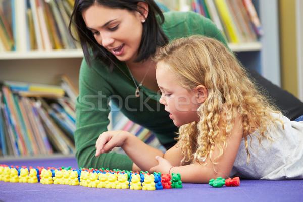 Elemental maestro aula nina escuela mujeres Foto stock © monkey_business