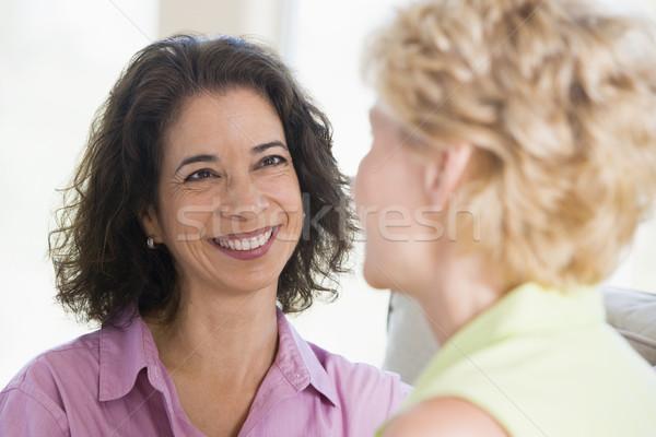 две женщины гостиной улыбаясь женщины счастливым портрет Сток-фото © monkey_business