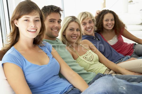 Amigos tempo juntos mulheres sorridente cor Foto stock © monkey_business