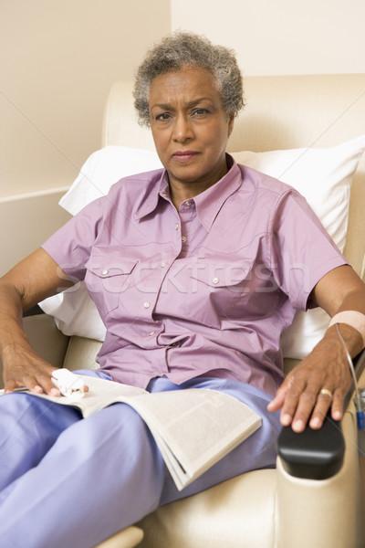 Photo stock: Portrait · patient · magazine · femme · livre · médicaux