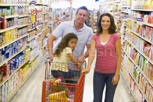 Foto stock: Jóvenes · familia · comestibles · compras · supermercado · alimentos