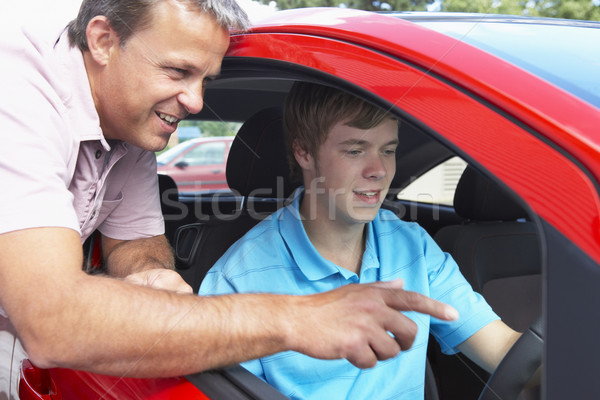 Aprendizagem conduzir adolescente falante adolescente Foto stock © monkey_business