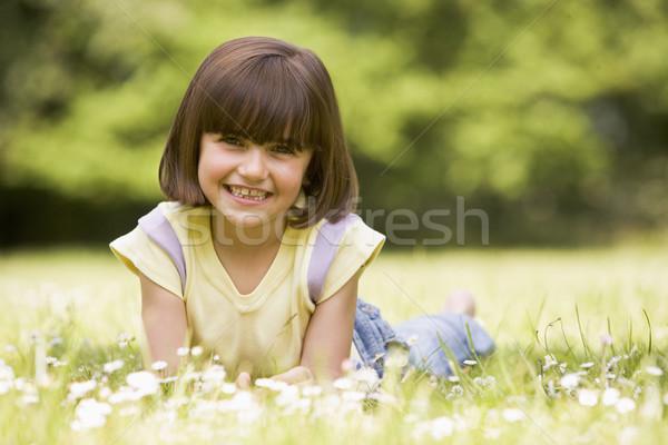 Stockfoto: Jong · meisje · buitenshuis · glimlachend · bloem · gelukkig · kind