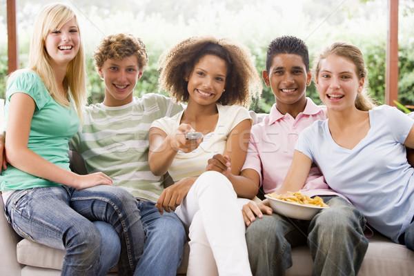 Stock foto: Gruppe · Jugendliche · Sitzung · Couch · Essen · Pizza