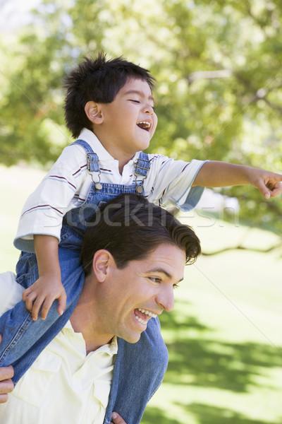 Foto d'archivio: Uomo · spalla · esterna · sorridere · amore