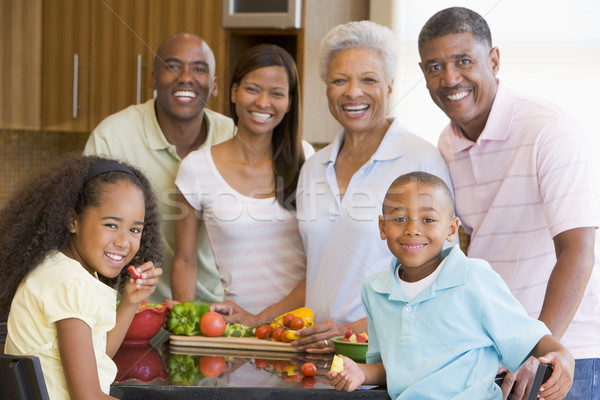 семьи вместе женщины мужчин цвета еды Сток-фото © monkey_business