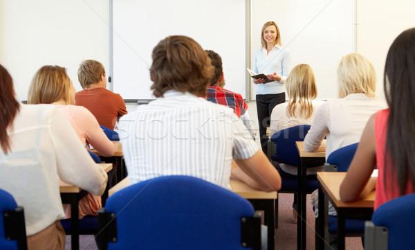 Öğrenciler sınıf adam kitaplar kadın Stok fotoğraf © monkey_business