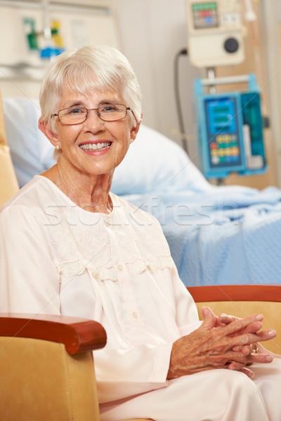портрет старший женщины пациент сидящий Председатель Сток-фото © monkey_business