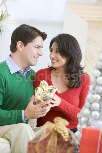 Сток-фото: муж · удивительный · жена · Рождества · настоящее · женщину