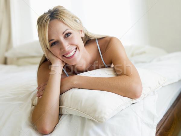Foto d'archivio: Donna · camera · da · letto · donna · sorridente · sorridere · donne · felice