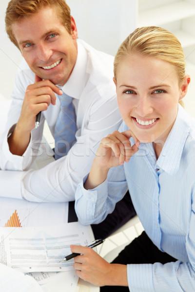 üzleti megbeszélés iroda nők megbeszélés asztal csoport Stock fotó © monkey_business