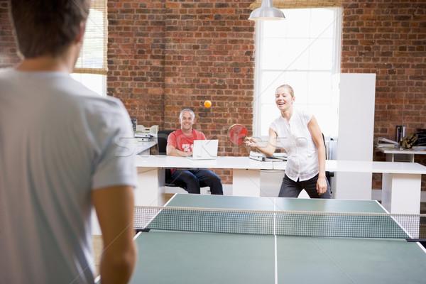 Homem mulher escritório espaço jogar ping-pong Foto stock © monkey_business