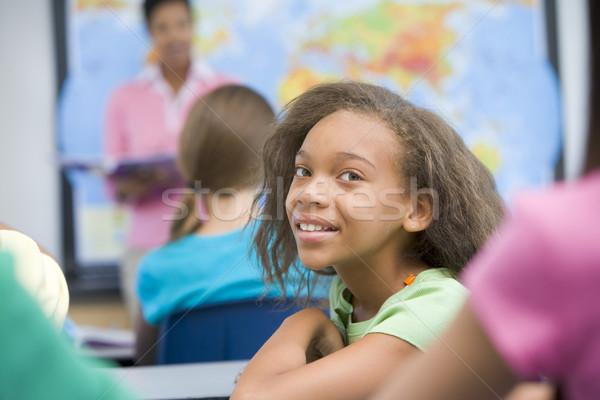 Alapfokú osztály földrajz nő gyerekek térkép Stock fotó © monkey_business