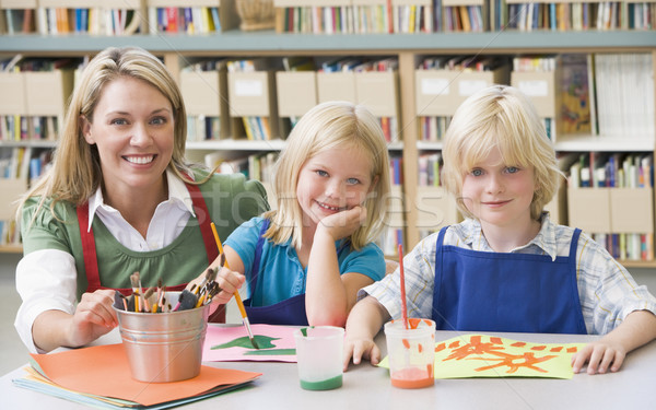 Stock foto: Kindergarten · Lehrer · Sitzung · Studenten · Kunst · Klasse