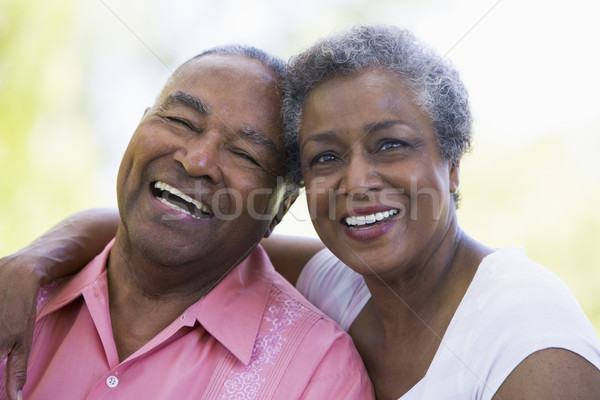 Couple de personnes âgées détente à l'extérieur romantique femme jardin Photo stock © monkey_business