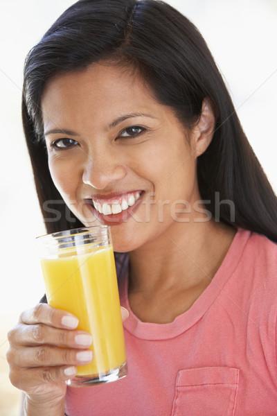 ストックフォト: 成人 · 女性 · 飲料 · 新鮮な · オレンジジュース · ホーム