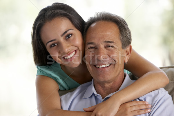 Padre hija junto casa feliz adolescente Foto stock © monkey_business