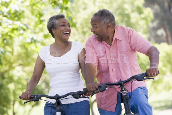 Foto stock: Casal · de · idosos · ciclo · mulher · homem · exercer · bicicleta
