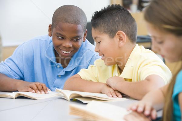 小学校 教室 2 男の子 図書 ストックフォト © monkey_business