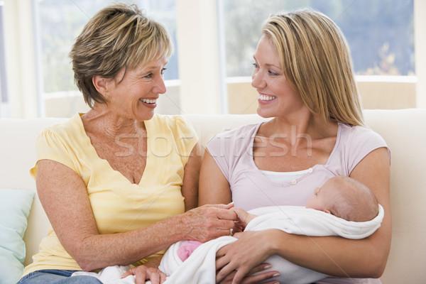 Stockfoto: Grootmoeder · moeder · woonkamer · baby · glimlachend · vrouw