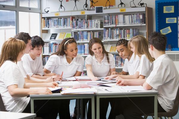Estudar escolas biblioteca grupo aprendizagem Foto stock © monkey_business