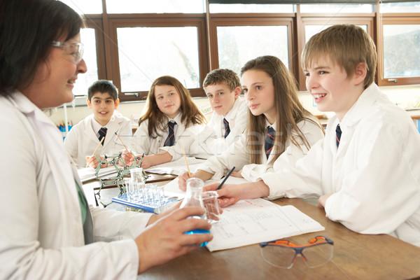 Gruppe jugendlich Studenten Wissenschaft Klasse Tutor Stock foto © monkey_business