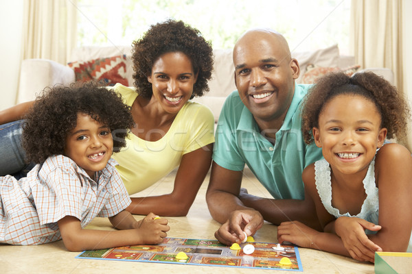 Familie spelen bordspel home kinderen man Stockfoto © monkey_business