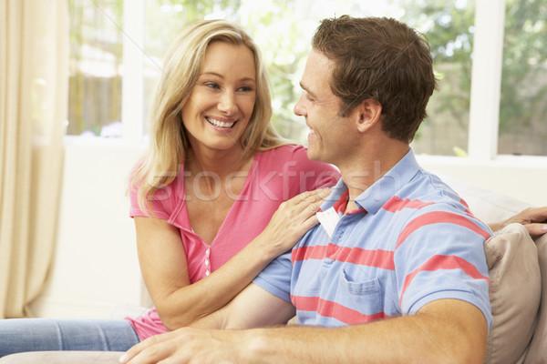 Stock fotó: Fiatal · pér · megnyugtató · kanapé · otthon · szeretet · férfi