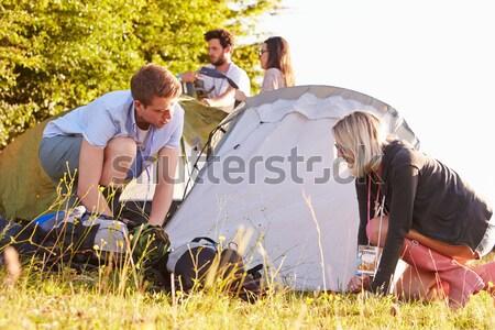 Giovani adulti paese picnic alimentare uomo donne Foto d'archivio © monkey_business