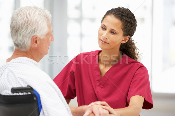 Kıdemli hasta genç doktor kadın adam Stok fotoğraf © monkey_business