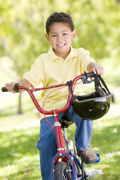 Stock foto: Fahrrad · Freien · lächelnd · Kinder · Kind