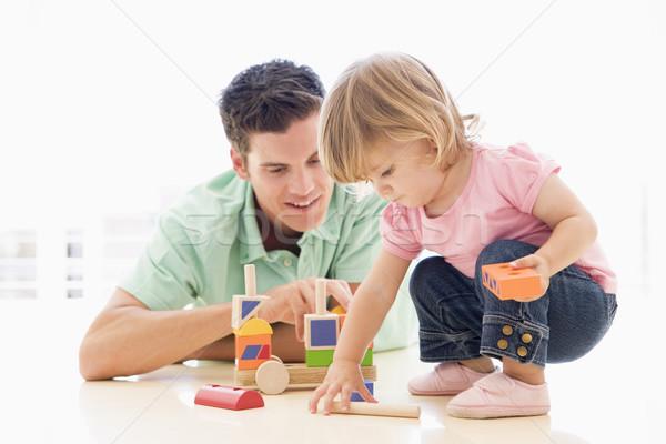 Сток-фото: отец · дочь · играет · улыбаясь · девушки