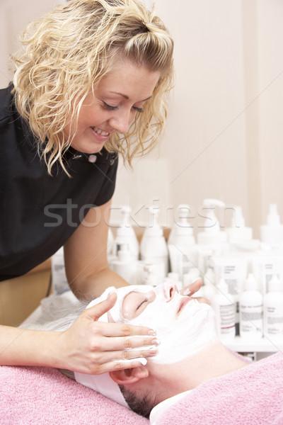 Vrouwelijke masseuse cliënt gezicht massage portret Stockfoto © monkey_business
