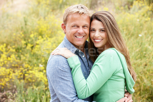 Paar buitenshuis zon veld huwelijk vrouwelijke Stockfoto © monkey_business